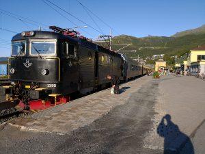 SJ-Zug im Bf. Narvik